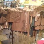 静岡に来ています、展示に柿渋Tシャツ追加