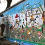 3/10、集まった子どもたちとプレーパークの物置きに壁画を描いてきました。